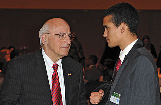 Peck talks with medical student and Peck Scholar Lawrence R. Zieske at the annual School of Medicine scholarship dinner.